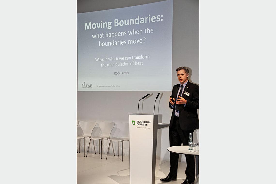 "Dr. Robert Lamb, Group Sales and Marketing Director von Sales Refrigeration, referierte über ""Moving Boundaries"""