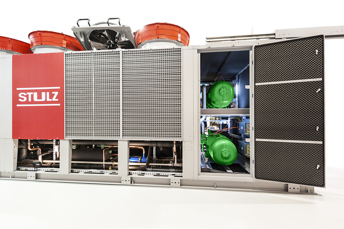 A CyberCool-2 liquid chiller from Stulz with two BITZER CSH screw compressors optimised for the refrigerant R134a and a cooling capacity of 860 kW is now being used at Rotkäppchen-Mumm to manufacture alcohol-free products. Image: ©Stulz